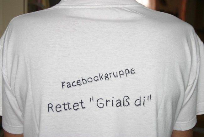 """Mit T-Shirts wird gegen das """"Griaß di""""- Patent protestiert."""
