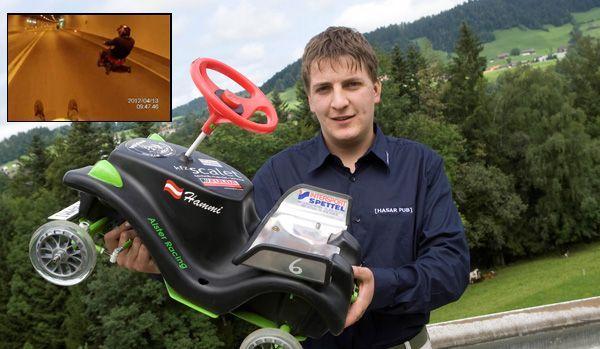 Matthias Meusburger, Veranstalter des Bobby Car-Rennens, warnt vor illegalen Bobby Car-Rennen.