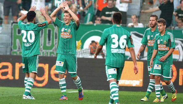 Grund zur Freude: Rapid Wien hat nun die Tabellenspitze eingenommen.