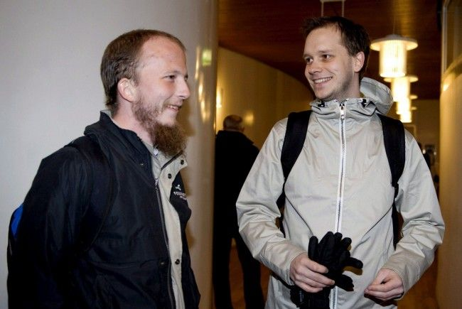 Pirate Bay: Gottfrid Svartholm Warg (links) und Peter Sunde beim Prozess in Stockholm.