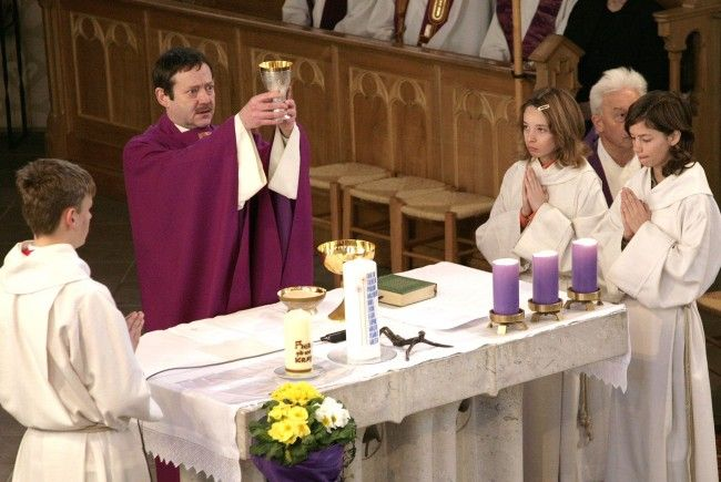 """""""Priester nehmen den Notausgang"""""""