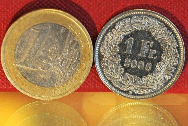 Franken sackt gegen Euro ab.