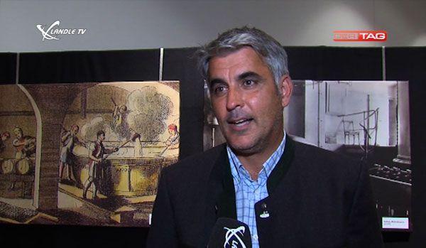Markus Hämmerle erklärt die Geschichte des Brausilvesters