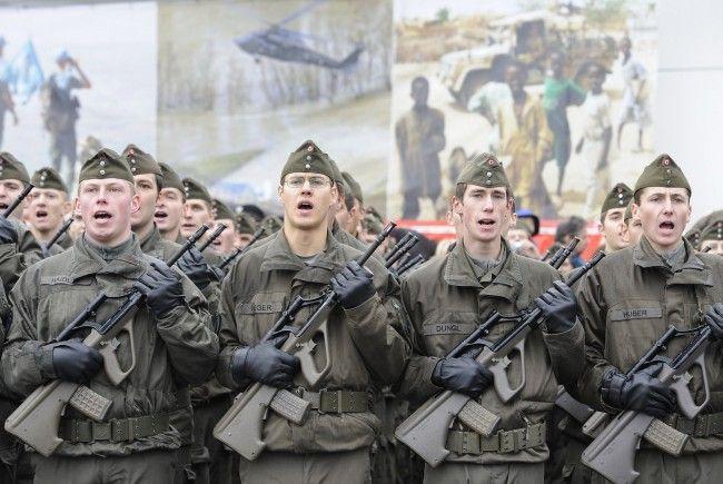 """Umfragen deuten auf ein """"Ja"""" der Österreicher zur Wehrpflicht hin."""
