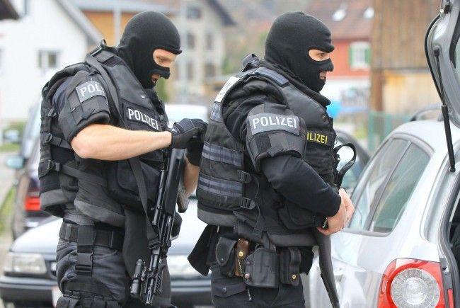 Cobra-Einsatz in Bregenz: Sichergestellt wurde eine Luftdruckwaffe, verletzt wurde niemand.