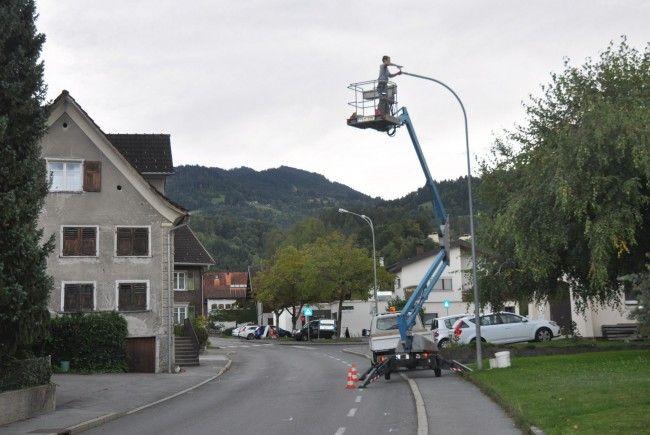 Röthis erhält eine neue, energie- und kostensparende Strassenbeluchtung.
