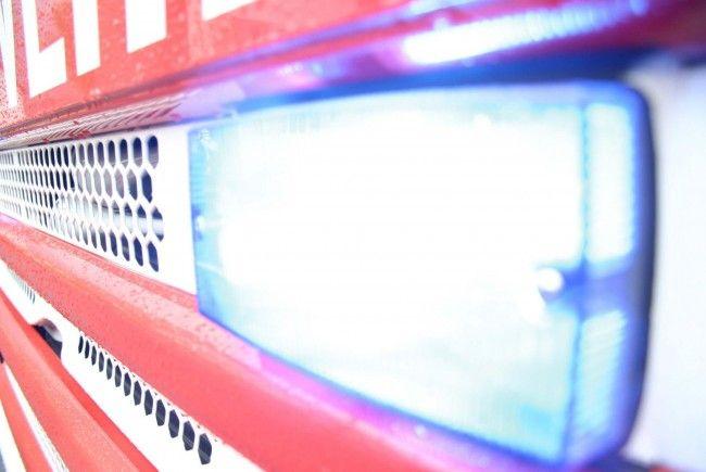 Brandstiftung in Dornbirn rief Feuerwehr auf den Plan.