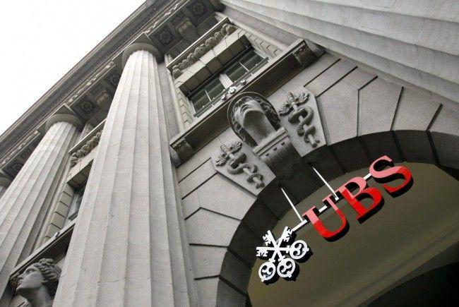 Europäische Kunden haben in den vergangenen Quartalen rund zehn Mrd. Franken von ihren Konten bei der UBS abgehoben.
