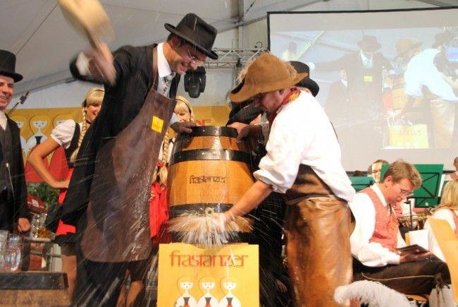 Landeshauptmann Mag. Markus Wallner beim traditionellen Bockbieranstich.