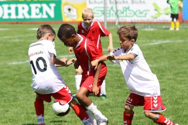 Symbolbild: Das Unter-13-Spiel FC Dornbirn und FC Hard wurde in der Schlussminute abgebrochen.