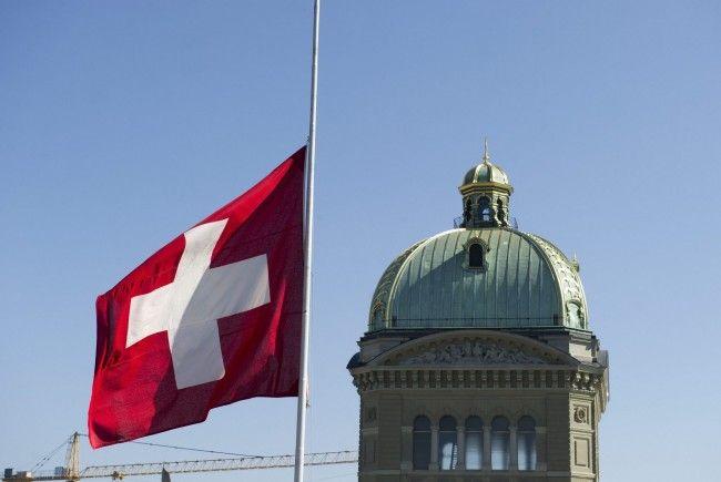 Basel-Landschaft schafft Pauschalbesteuerung ab, Bern erhöht Hürden