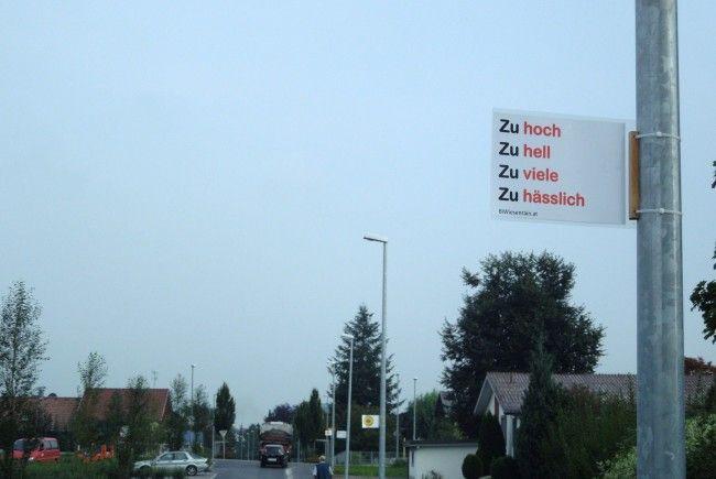 """Die Bürgerinitiative Wiesenrain hat sich gegen die """"vermehrte"""" Straßenbeleuchtung gewehrt."""