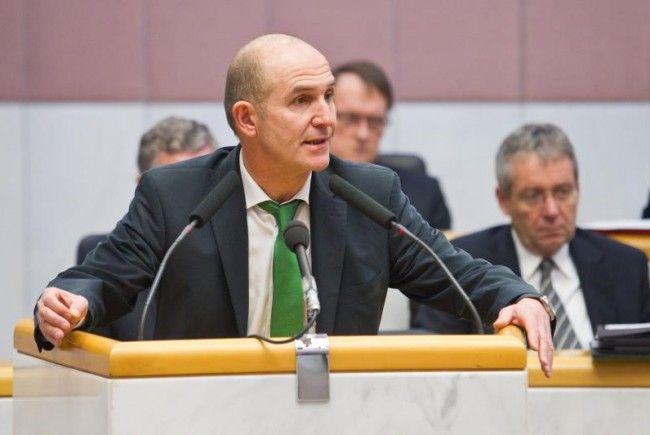 ÖVP-Politiker Hofer weist Vorwürfe zurück.
