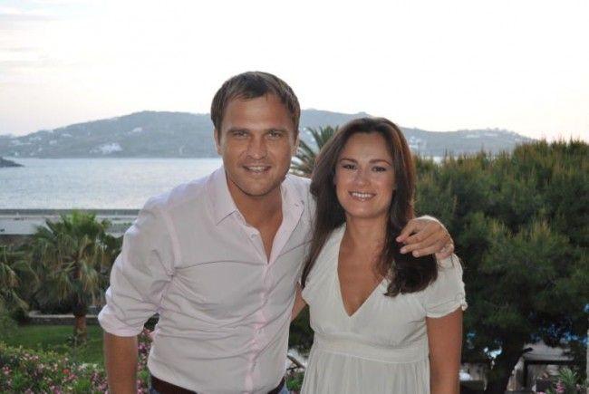Ein Bild aus früheren Zeiten: Fußballprofi Peter Pawlowski mit seiner Marta.