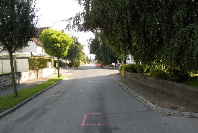 In der letzten Woche wurde der Deckbelag an der Flurstraße saniert.