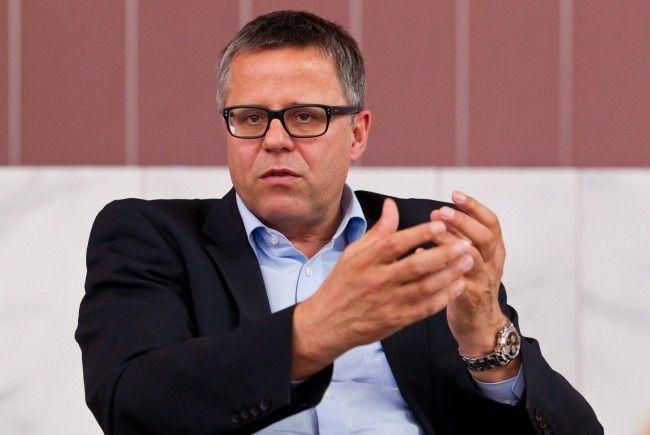 """Frühstück: """"Teure Wahlkampagnen sind nicht zu rechtfertigen""""."""