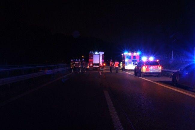 Die Schweizer Polizei musst die Autobahn nach dem tödlichen Unfall sperren.