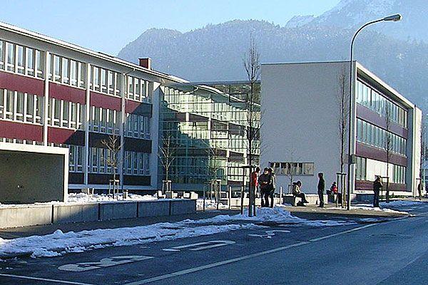 Das Bundesgymnasium Bludenz hat den Schulpreis 2012, die höchste Auszeichnung des Bildungsministeriums, gewonnen.