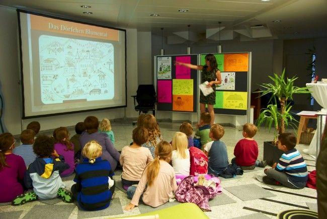Kinderbuch-Lesung in der Tostner Sparkasse