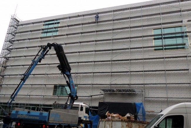 Fassade wird freigelegt