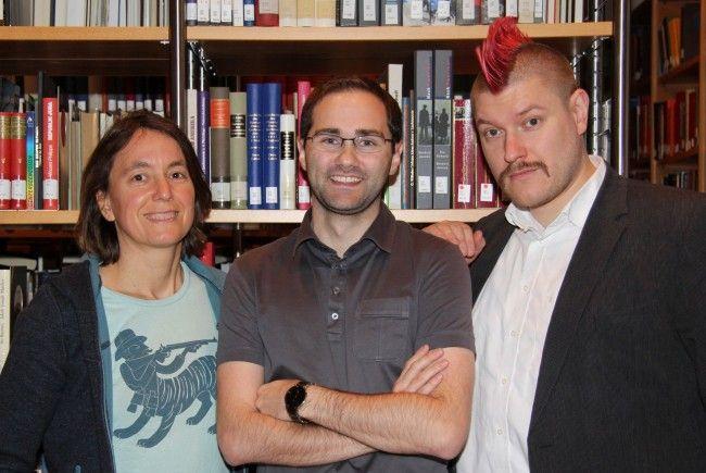 Von rechts: Sascha Lobo, VOL.AT-Reporter Markus Sturn, und Kathrin Passig