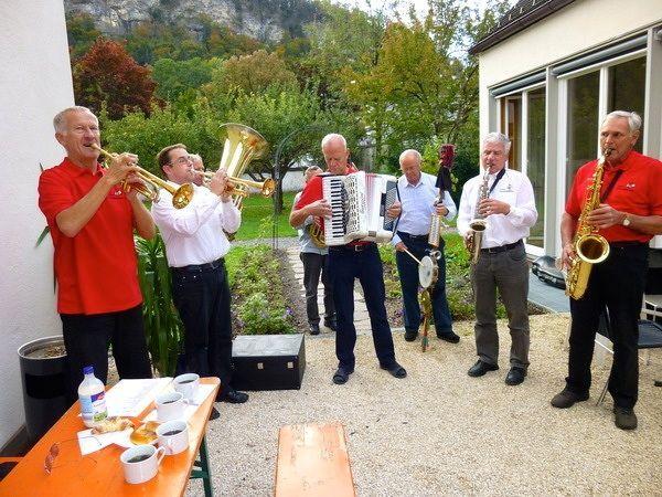 Die Tostner Strassenmusikanten sorgten für die richtige musikalischer Einstimmung