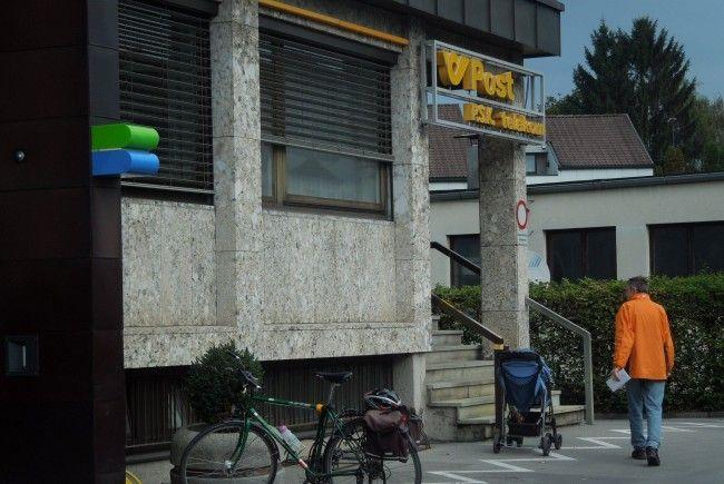 Am 15. Oktober schließt das Postamt Rheindorf. Am Tag darauf übernimmt Integra den Postservice.