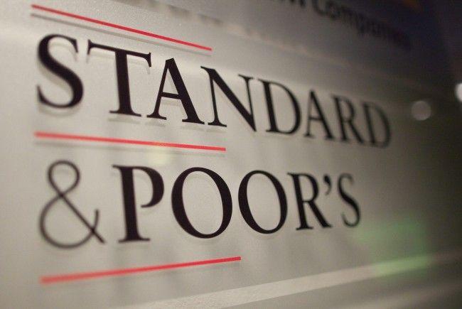 Standard & Poor's stuft Spanien ab.