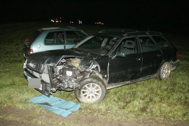Die Fahrzeuge wurden schwer beschädigt.