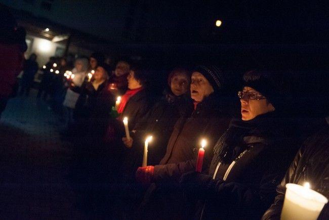Großes Entsetzen bei Vorarlberger Bevölkerung nach Brandanschlag auf Asylheim - Solidaritätsbekundungen in Batschuns.