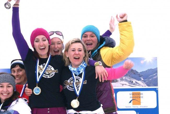 """""""Schneggarei"""" gewann beim Damen-Mannschaftbewerb X-Race 2013 zu Gunsten """"Fliegen für Kinder"""""""