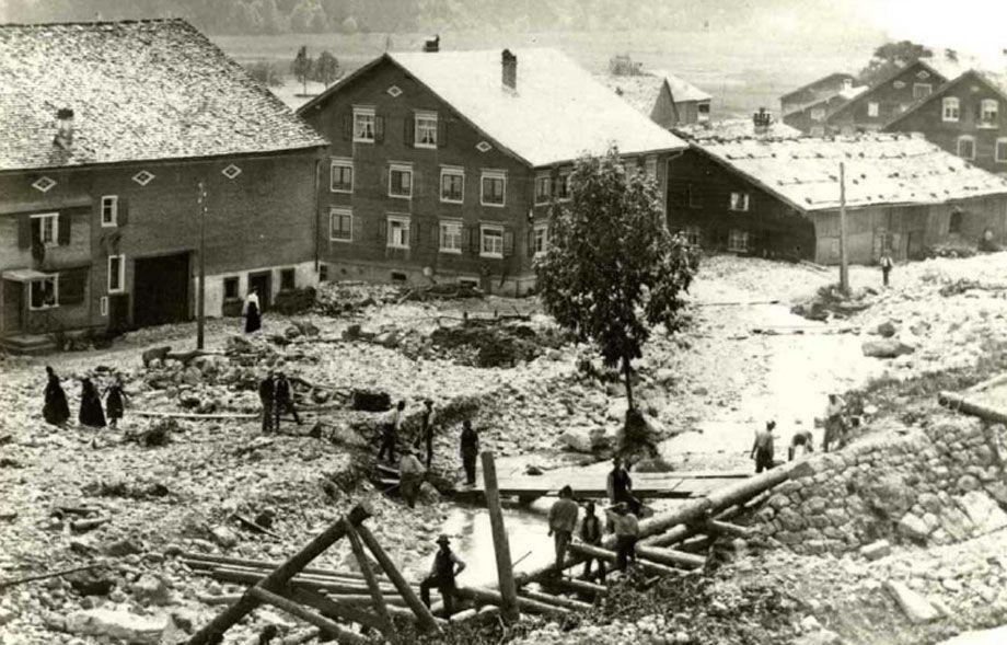 Hochwasser: Bizauerbach im Jahre 1910.