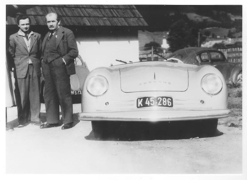 Der Vater des Verstorbenen, Ferdinand Porsche sen., hatte von 1922 bis 1927 in Hard eine Werkstatt, in der er Prototypen des Volkswagens entworfen hatte.