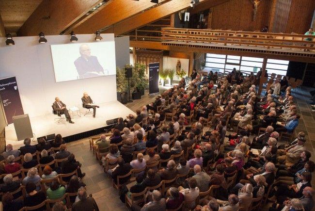Bis 29. September geben Philosophen, Literaturwissenschafter und Medienfachleute Einblicke in ihre Gedanken.
