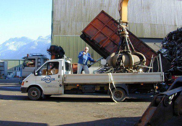 """Die Firma Loacker Recycling übernimmt die Schweizer Firma """"Die Entsorger""""."""