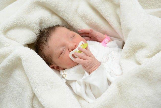 Geburt von Emilia Adam am 19. Februar 2014
