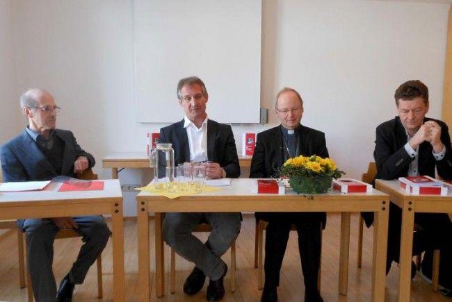 Herbert Pruner, Bürgermeister Markus Linhart, Bischof Benno Elbs.