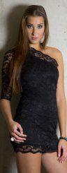 Die 20-jährige Marina aus Rankweil macht in ihrem Outfit eine gute Figur.  (Foto: VOL.AT/R. Paultisch; Styling: Chiara Bitschnau)