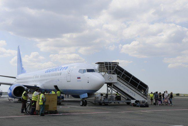 Berichte über Überflugverbot als Reaktion auf Sanktionen der EU und der USA.