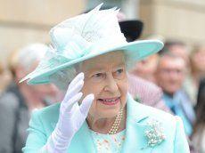 Queen genervt von Handy-Kameras