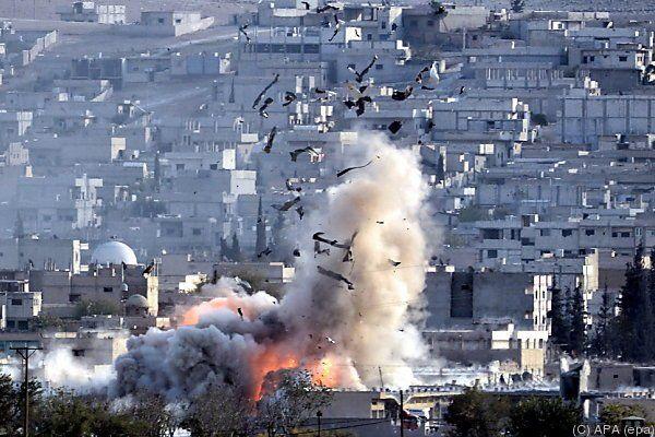 Luftangriffe auf Kobane gehen weiter