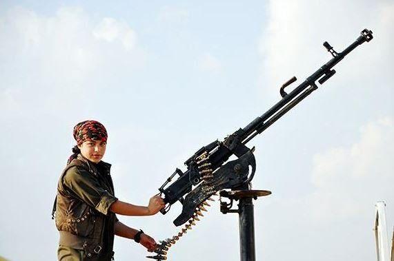 Narin Afrin führt die YPG im Kampf gegen die IS-Terroristen an