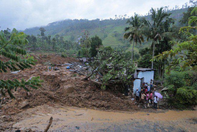Etwa 140 Häuser wurden von den Erdmassen mitgerissen