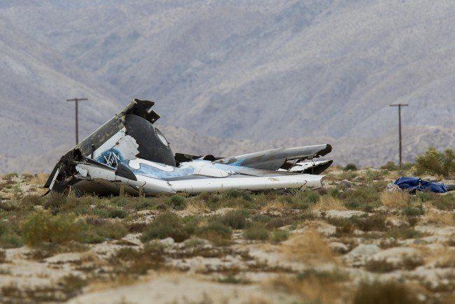 """Privates Raumflugzeug """"SpaceShipTwo"""" in Kalifornien abgestürzt."""