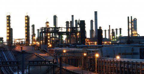 Opec pumpt weiter kräftig Öl - Preise rauschen in den Keller