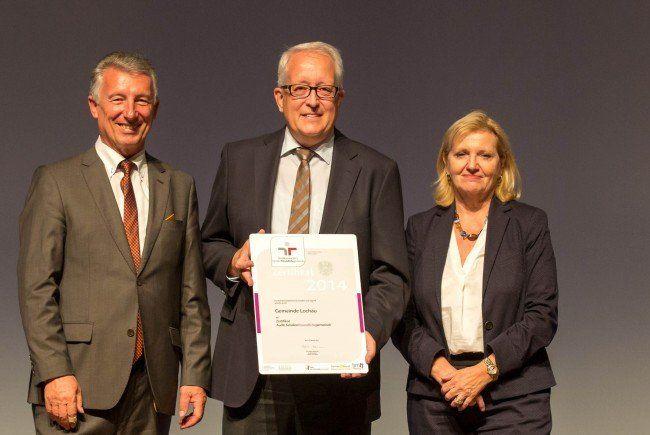 Bürgermeister Michael Simma konnte das Zertifikat im Rahmen eines Festaktes vom Bundesministerium für Familie und Jugend und dem Österreichischen Gemeindebund übernehmen.
