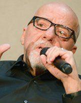 """Paulo Coelho bietet 100.000 Dollar für """"The Interview"""""""