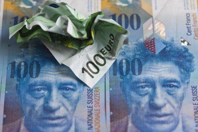 SNB kämpft sei Ausbruch der Euro-Krise gegen eine Überbewertung des Frankens