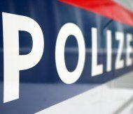 Alko-Lenker kollidiert mit zwei Fahrzeugen und verletzt Fußgängerin