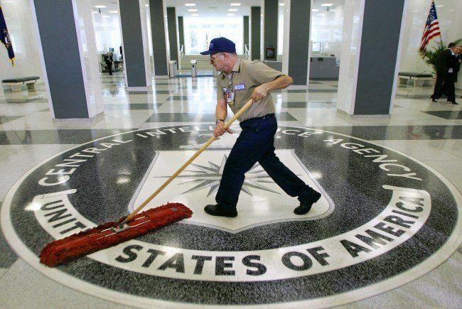 Andreas von Bülow erhebt auch Vorwürfe gegen die CIA.